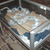 2007 Penrhyn Castle exhibition llanllechid chains cabinet.jpg